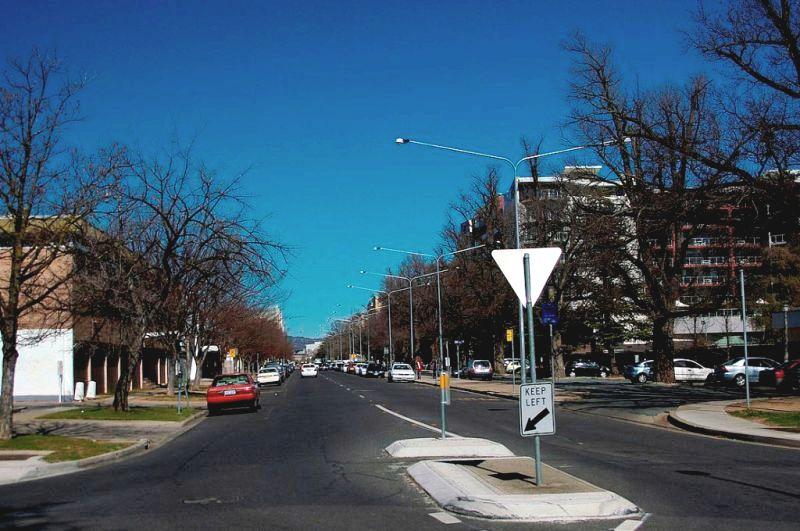 Улица Морт вид в сторону центра города