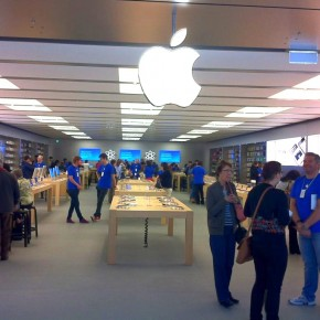Магазин Apple и новый iPhone 5 в Канберре