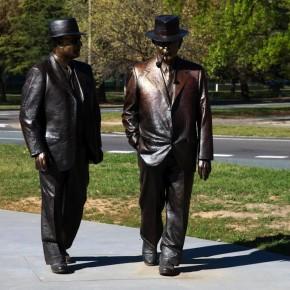 Новые скульптуры и пешеходные марафоны