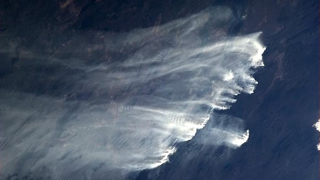 359584-bushfires-from-space